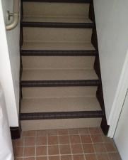共用廊下の階段リフォーム施工後