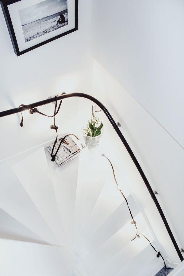 ホワイトインテリア 階段