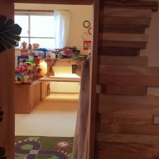 リビング側からの子供部屋